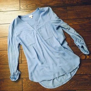 Comfy light blue blouse
